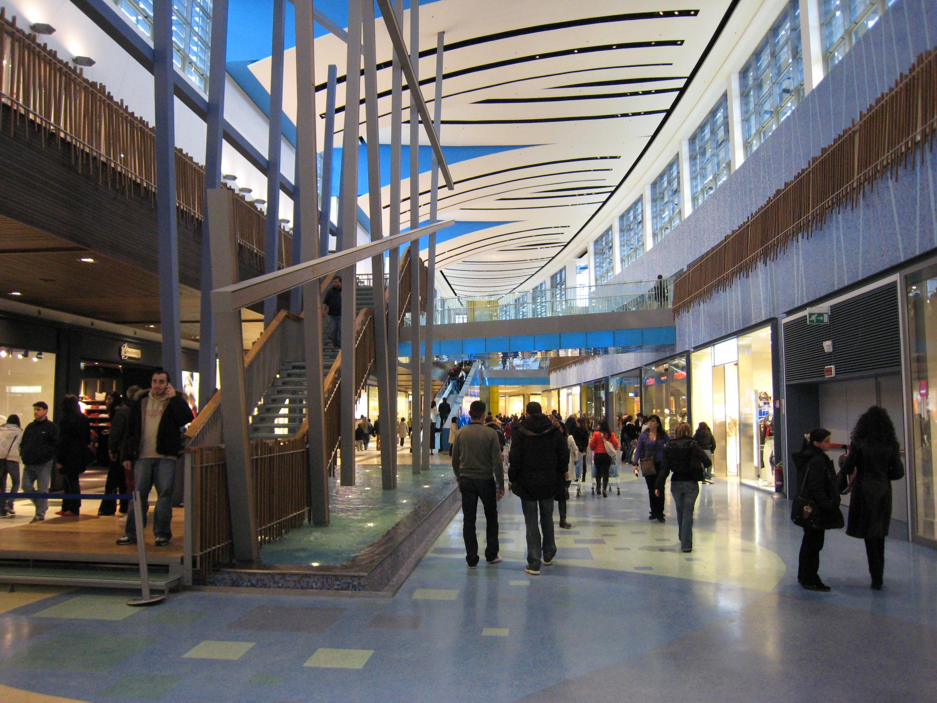 """Centro Commerciale """"BariBlu"""" – Triggiano (BA) – 2005"""